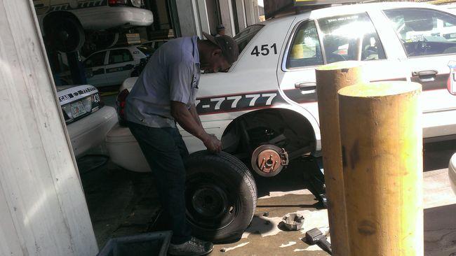 Flat tire?...Time for Joe!
